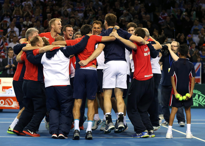 Bob and Mike Bryan did win their doubles rubber 9 -7 in the fifth set
